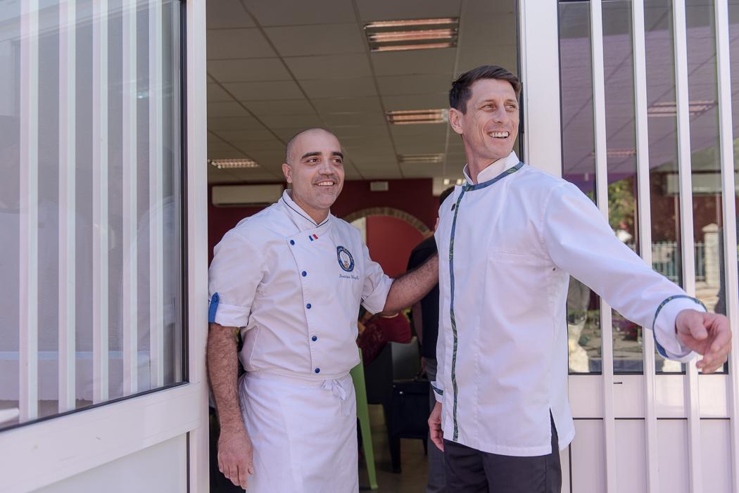 Dominique Wing Ka, chef de cuisine du collège d'Auteuil en Nouvelle-Calédonie et directeur de Pacific Food Lab et Gabriel Levionnois, chef restaurateur, fondateur et président de NeoFood.