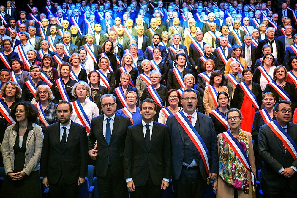 En Bretagne, Macron fait un premier bilan du grand débat avant de le clore en Corse