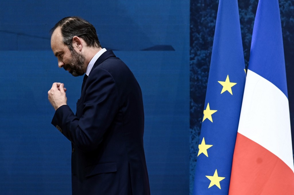 """Grand débat: face à """"l'exaspération fiscale"""", Philippe veut """"baisser plus vite les impôts"""""""