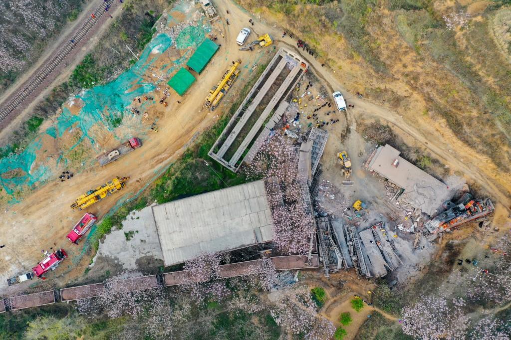 Chine: un train déraille et défonce une maison, 6 morts