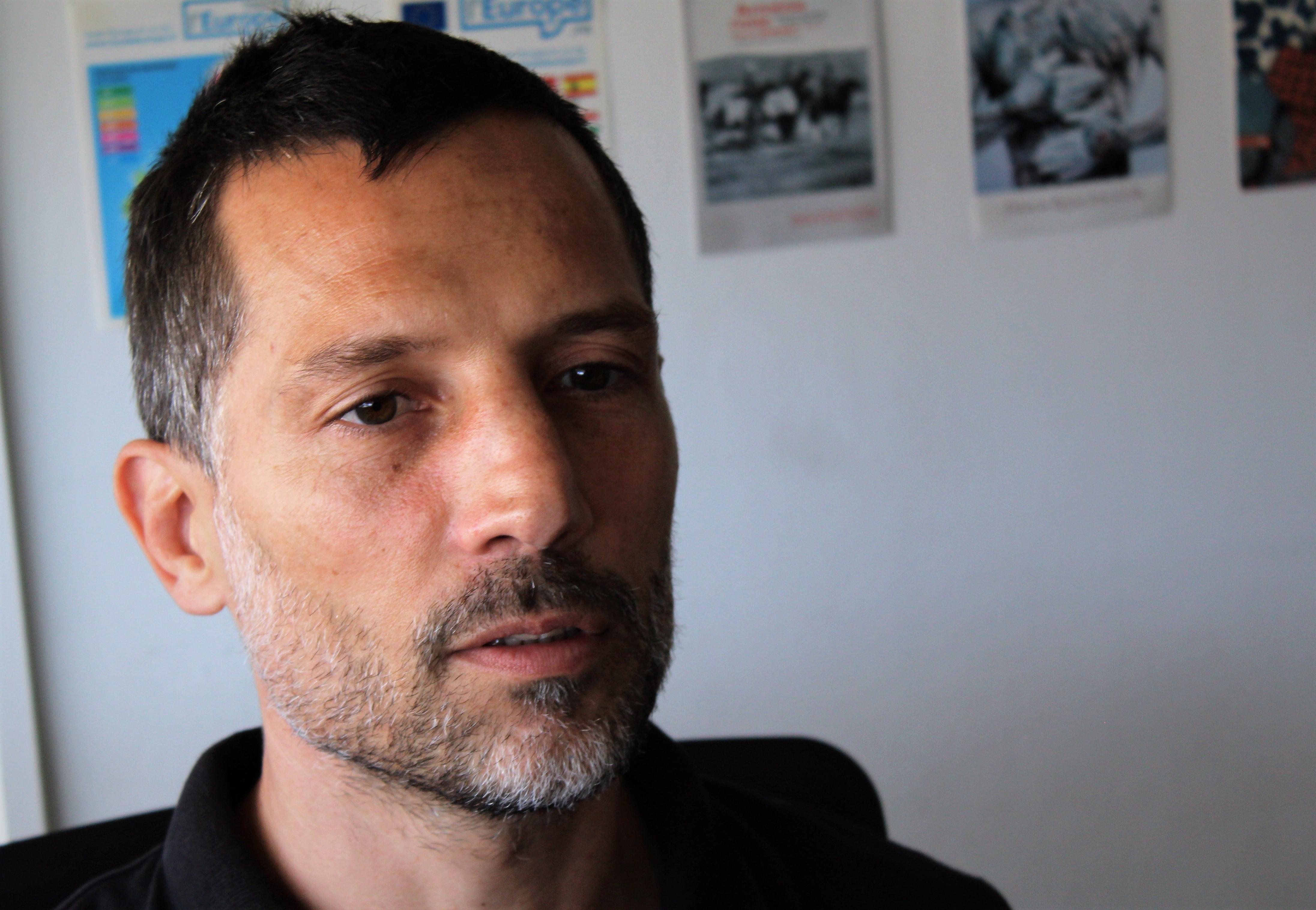 Maître de conférences en géographie et urbanisme, Anthony Tchékémian fait appel à l'artiste Jean-Paul Forest pour l'un de ses cours.
