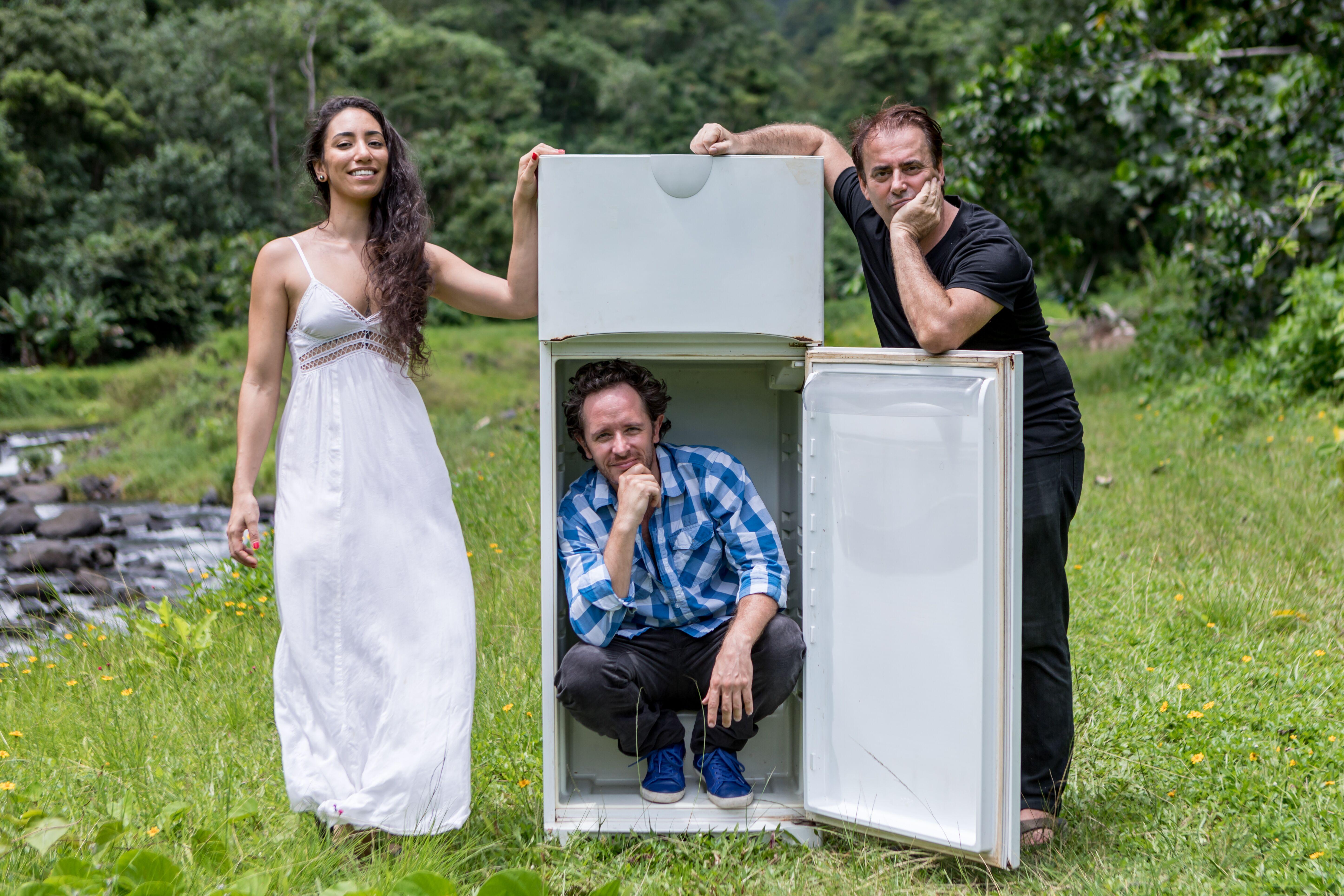 Vaiana Mahinui (actrice, elle a été filmée pour la pièce), Gildas Meilleray auteur et acteur et Yann Paranthoën, metteur en scène.