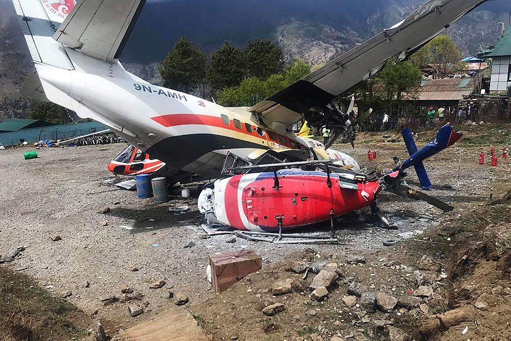Népal: trois morts dans un accident d'avion près de l'Everest