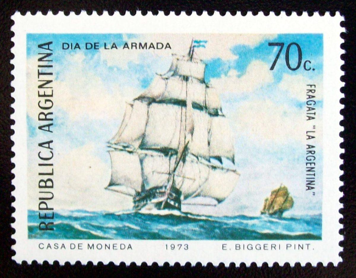 Preuve de son statut de héros national, la poste argentine a célébré Bouchard tout autant que son navire.