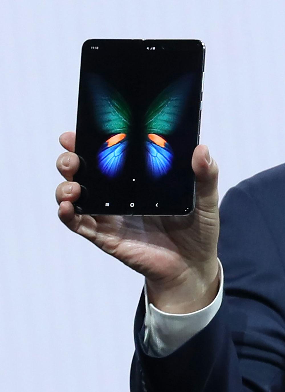 Coup dur pour Samsung, qui repousse la sortie de son smartphone pliable