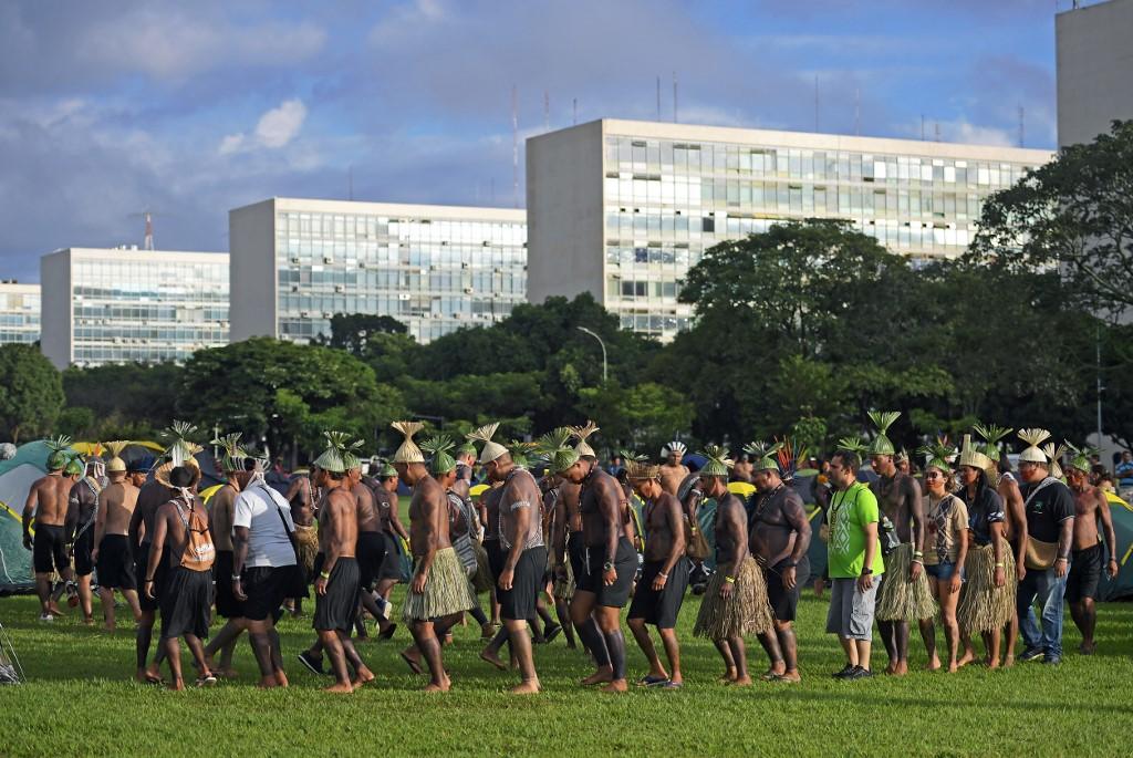 Brésil: plus de 2.000 indigènes convergent vers le centre de Brasilia