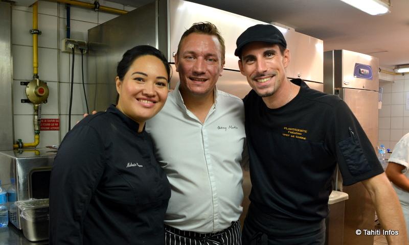Ces trois chefs (Maheata Banner, Jérémy Martin et Frédéric Plantecoste) qui ont créé ensemble un repas gastronomique servi à une 40aine de cuisiniers locaux.