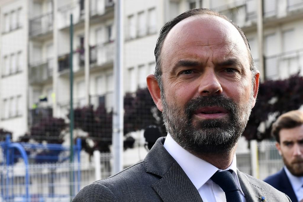 """Philippe annonce la création de 500 maisons """"France service"""""""