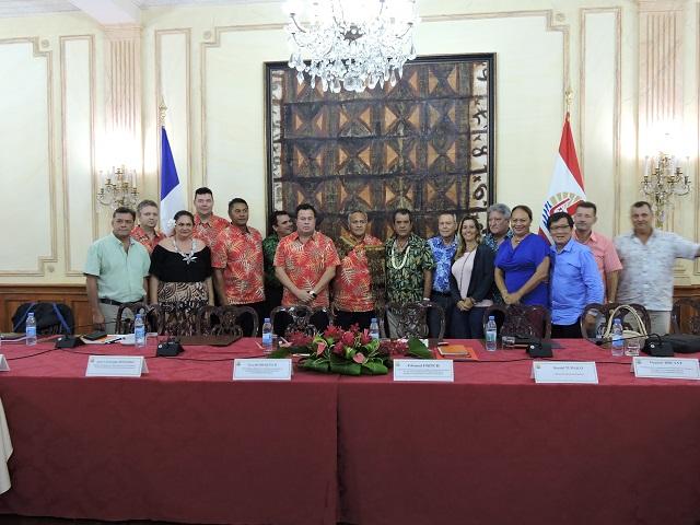 Le 13 avril 2018 lors de l'annonce officielle de la sélection du groupement Kaitiaki Tagaloa pour construire et exploiter les quatre hôtel et deux résidences en condominium du Village Tahitien.