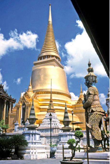 Le stupa de la pagode royale.