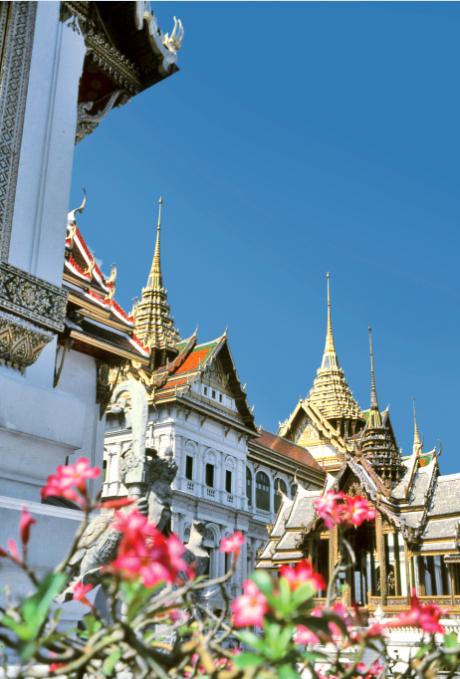 L'architecture extrêmement raffinée des bâtiments de l'enceinte royale fait de ce complexe sacré une des merveilles de l'Asie.