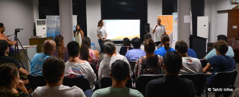 De nombreux aspirants entrepreneurs étaient présents à la soirée de lancement pour découvrir les modalités du concours et écouter les conseils des précédents gagnants.