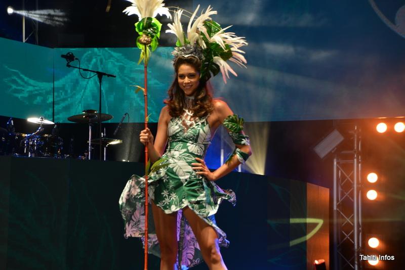 Une spectaculaire tenue portée par Matahari Bousquet