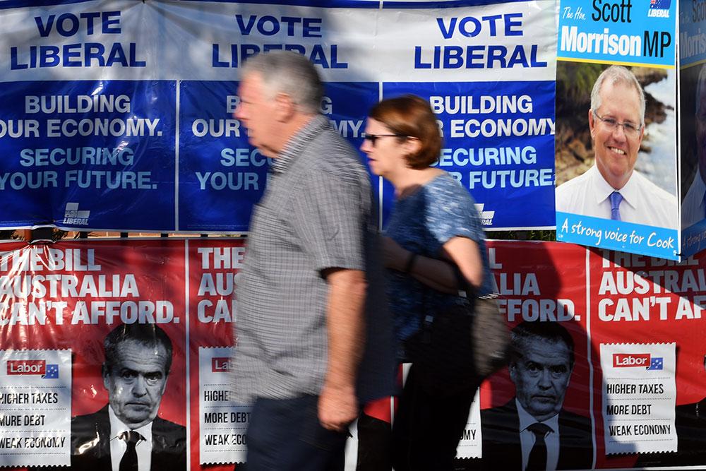 """Australie: le conservateur Scott Morrison savoure sa victoire """"miracle"""""""