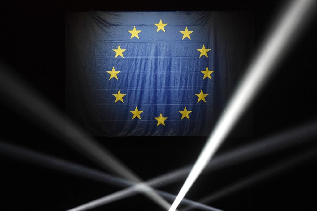 Les Européens aux urnes dans 21 pays, poussée attendue des eurosceptiques