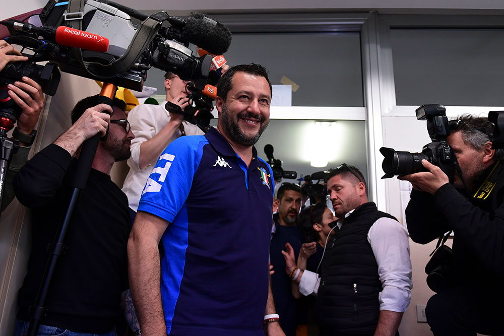 Européennes: Salvini renforce son emprise sur le gouvernement populiste