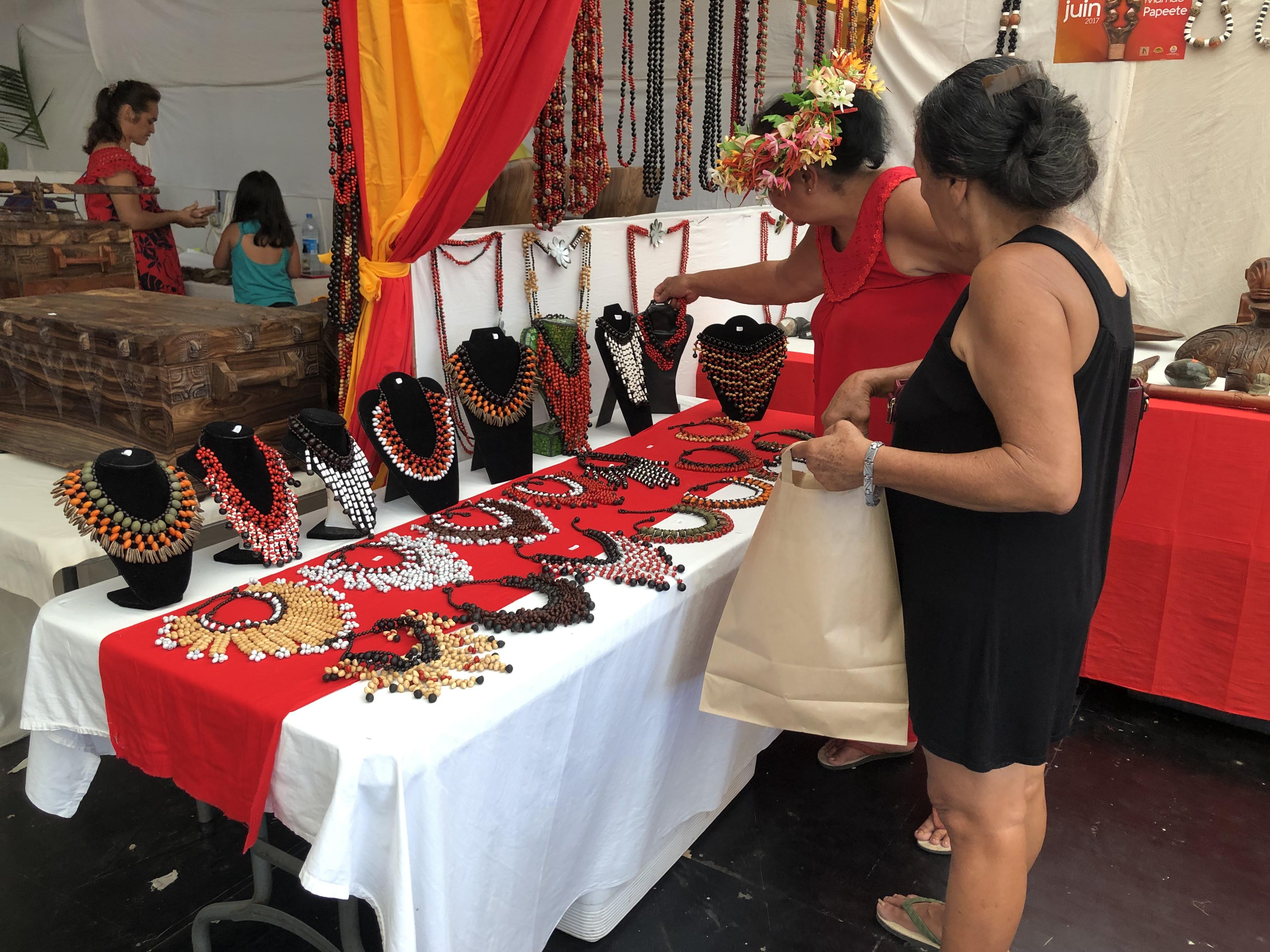 Une centaine d'artisans marquisiens vous attendent au parc expo de Mama'o jusqu'au 9 juin.