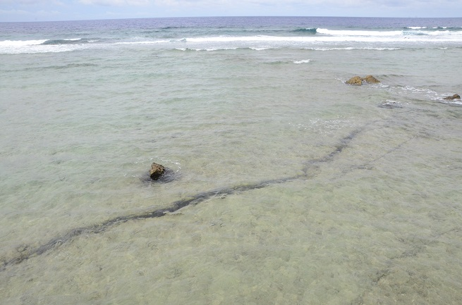 La principale faille à Moruroa est apparue dans la zone nord de l'atoll. Depuis 30 ans, une surveillance géomécanique avec le système Telsite permet de vérifier les mouvements souterrains.