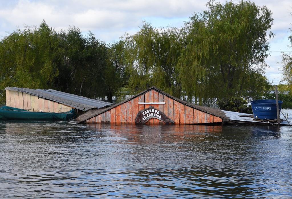 Paraguay: Alberdi, une ville transformée en île par les inondations