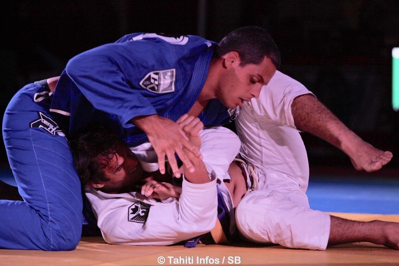 Anapa Perez, en bleu, un de nos meilleurs combattants