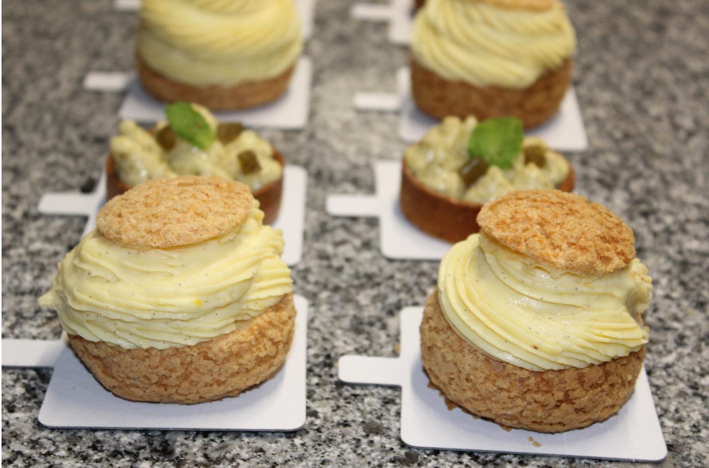 Au menu : gâteau au mojito et choux pralinés coco-ananas.