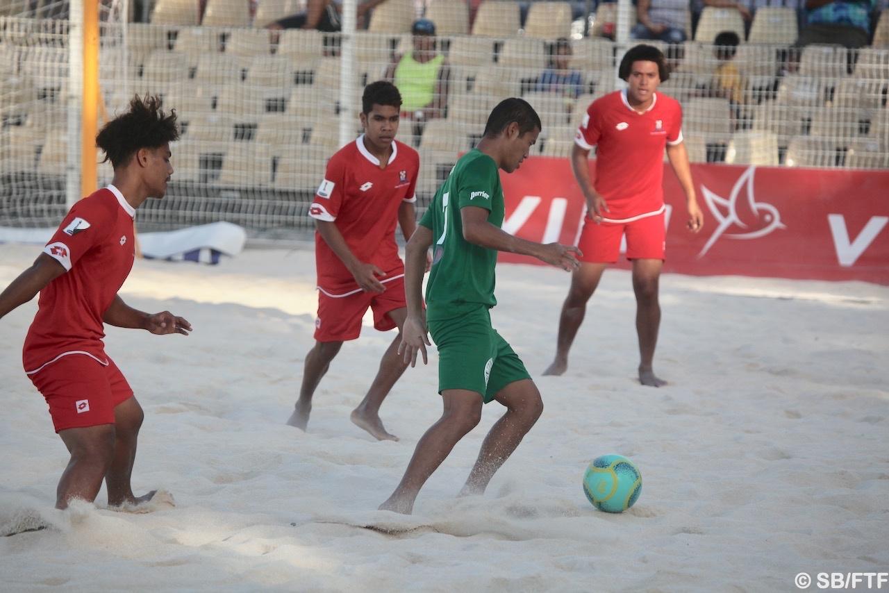 Les Green Warriors ont remporté 7-1 leur match contre les Tonga grâce à 5 buts de Marama Amau, ancien Tiki Toa évoluant désormais avec la sélection A en foot à 11
