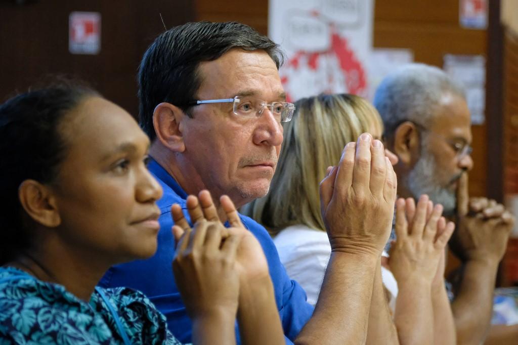 Philippe Gomès, le leader du mouvement, a également été mis en examen en avril, mais dans une autre enquête pour prise illégale d'intérêts.