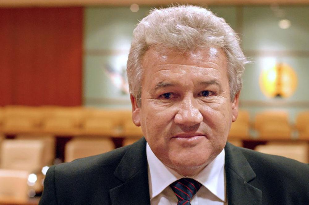 Harold Martin, 65 ans, a été condamné à deux ans de prison, dont un avec sursis, à cinq ans d'inéligibilité et à 1,6 million FCFP d'amende (13.000 euros).