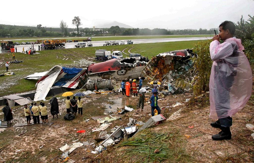 """""""Quand je me réveille, l'avion est en feu"""": au procès du crash de Phuket, le poignant récit d'un survivant"""