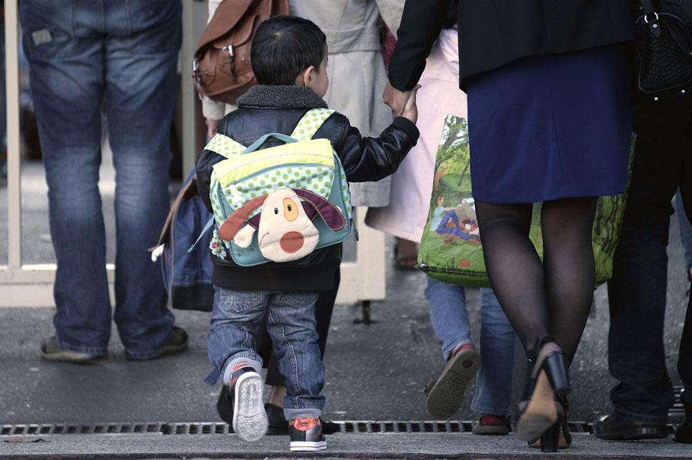 A Paris, des capteurs à l'école pour mesurer la pollution, avant de sévir