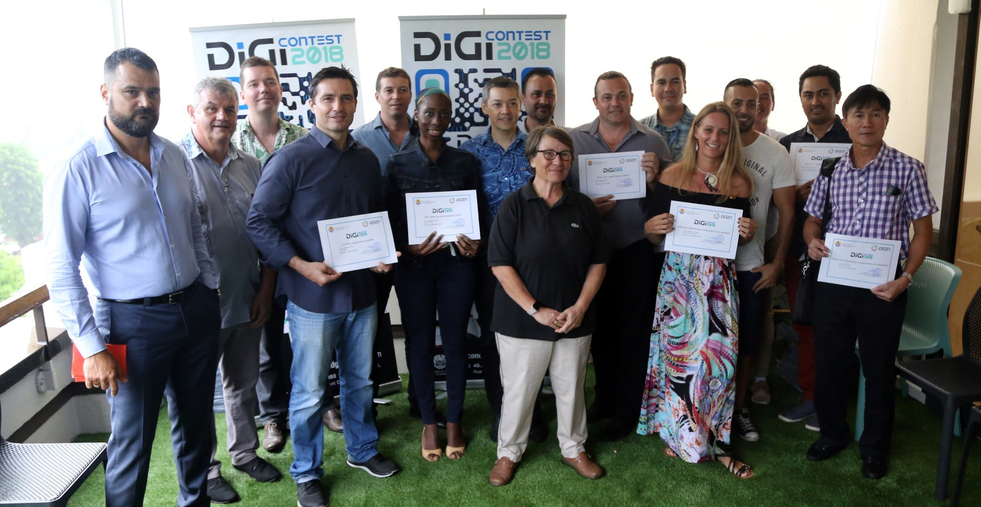 Les gagnants du DigiContest 2018, dont Jennifer Tchakouté qui avait obtenu le Prix de la start-up 2018 pour son site C Reva. Cette récompense et la légitimité qu'elle lui a apportée l'ont aidée à développer son entreprise. Le prix a été reconduit cette année. (crédit photo : DGEN).