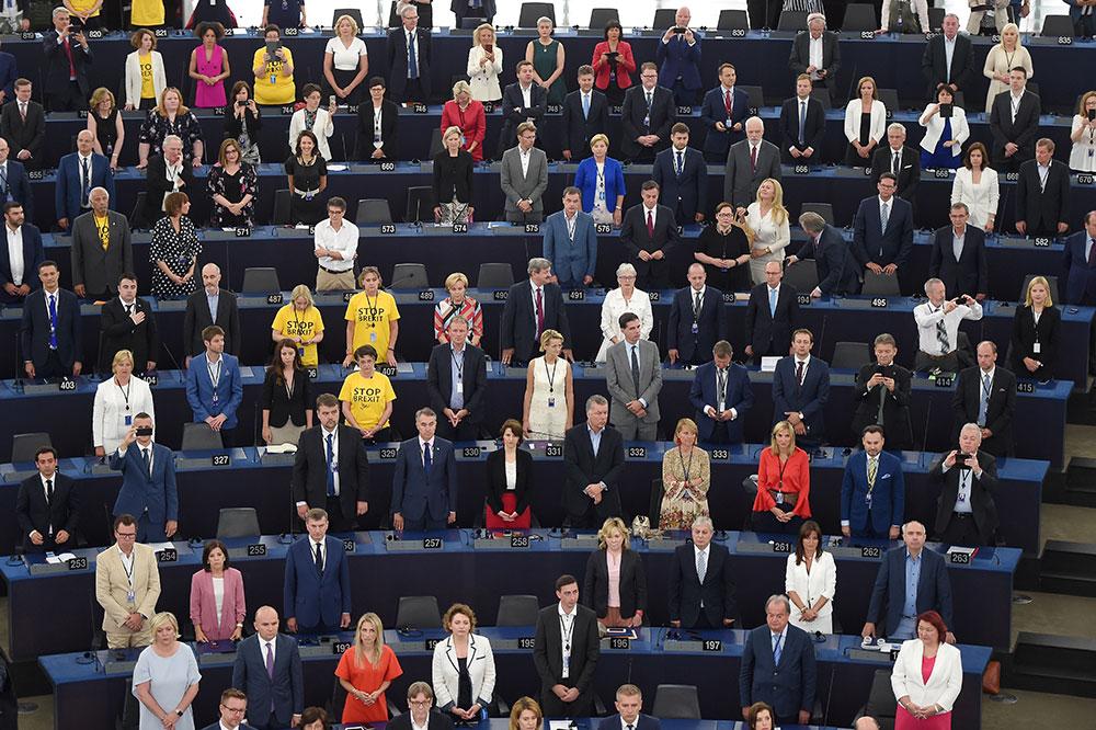 Manifestation catalane et show britannique pour la rentrée du Parlement européen