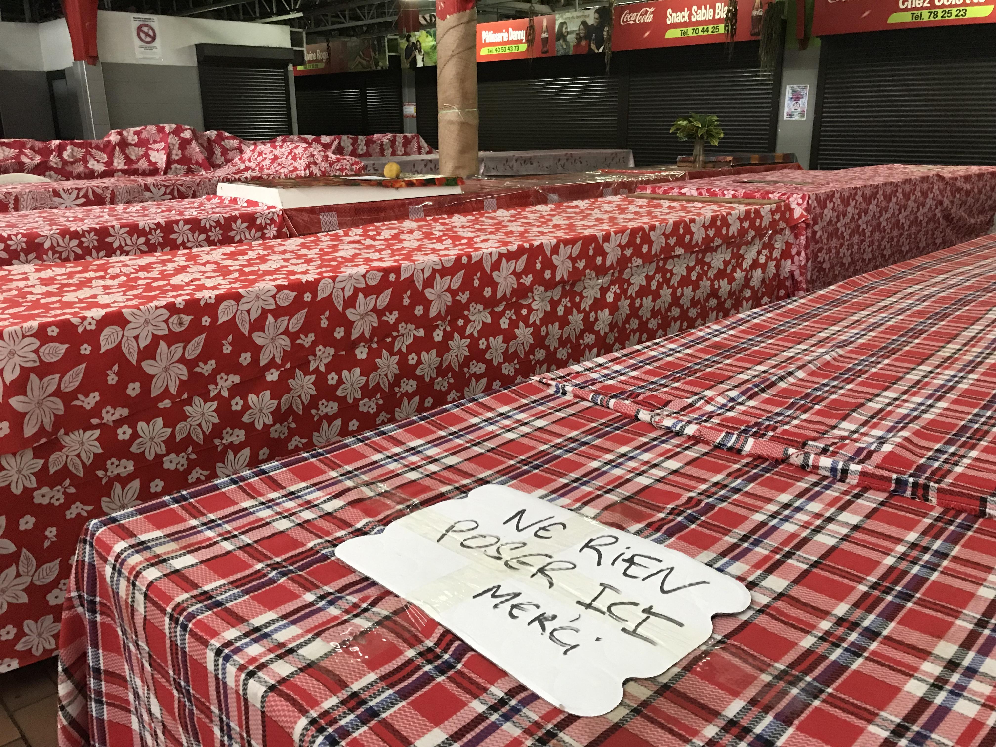 Grogne au marché de Papeete