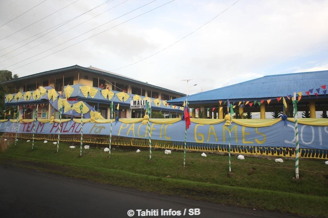 Une arrivée dans la grisaille mais des messages accueillants tout le long de la route qui sépare l'aéroport de Apia