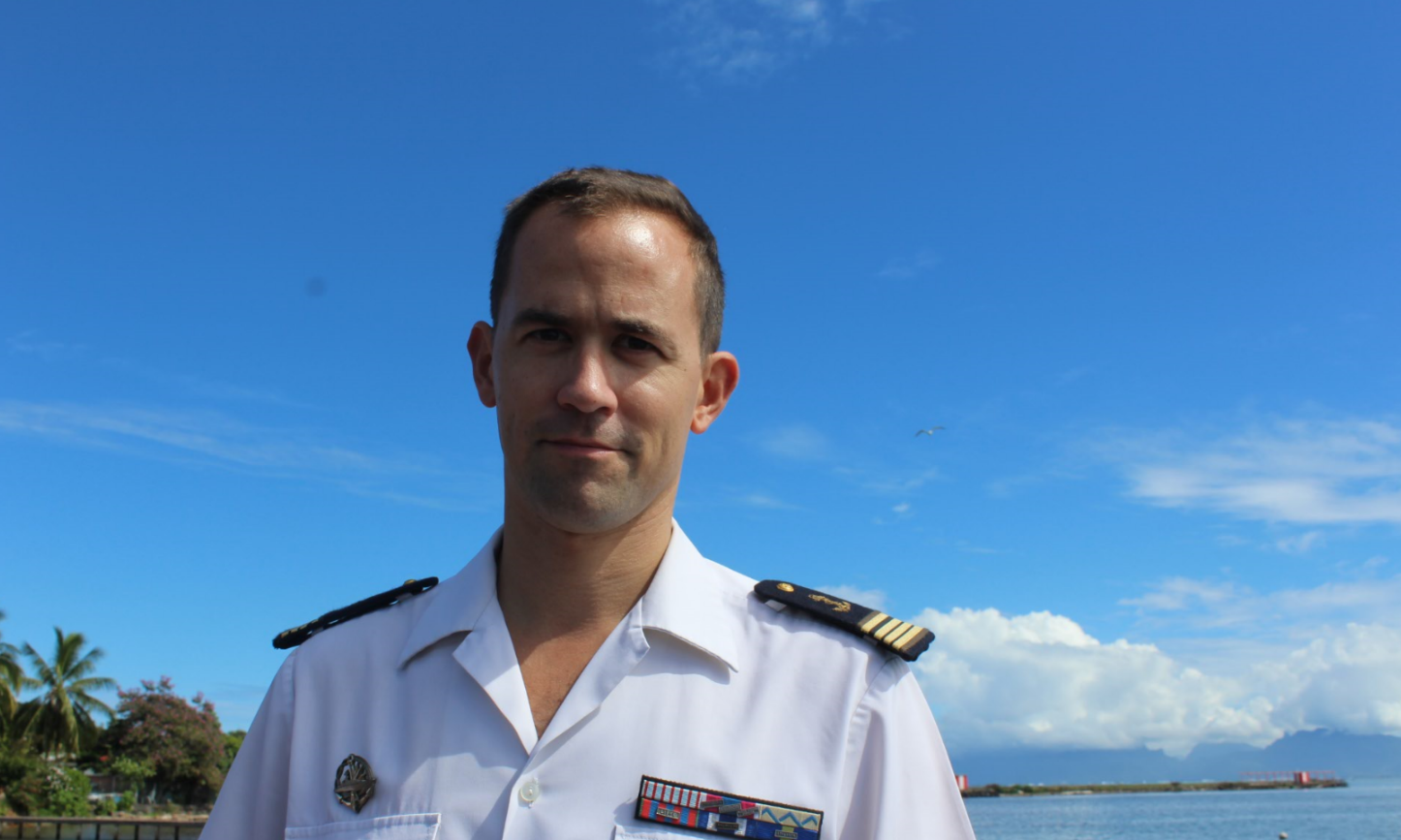 Le Commissaire de la Marine, Yvan de Trogoff.