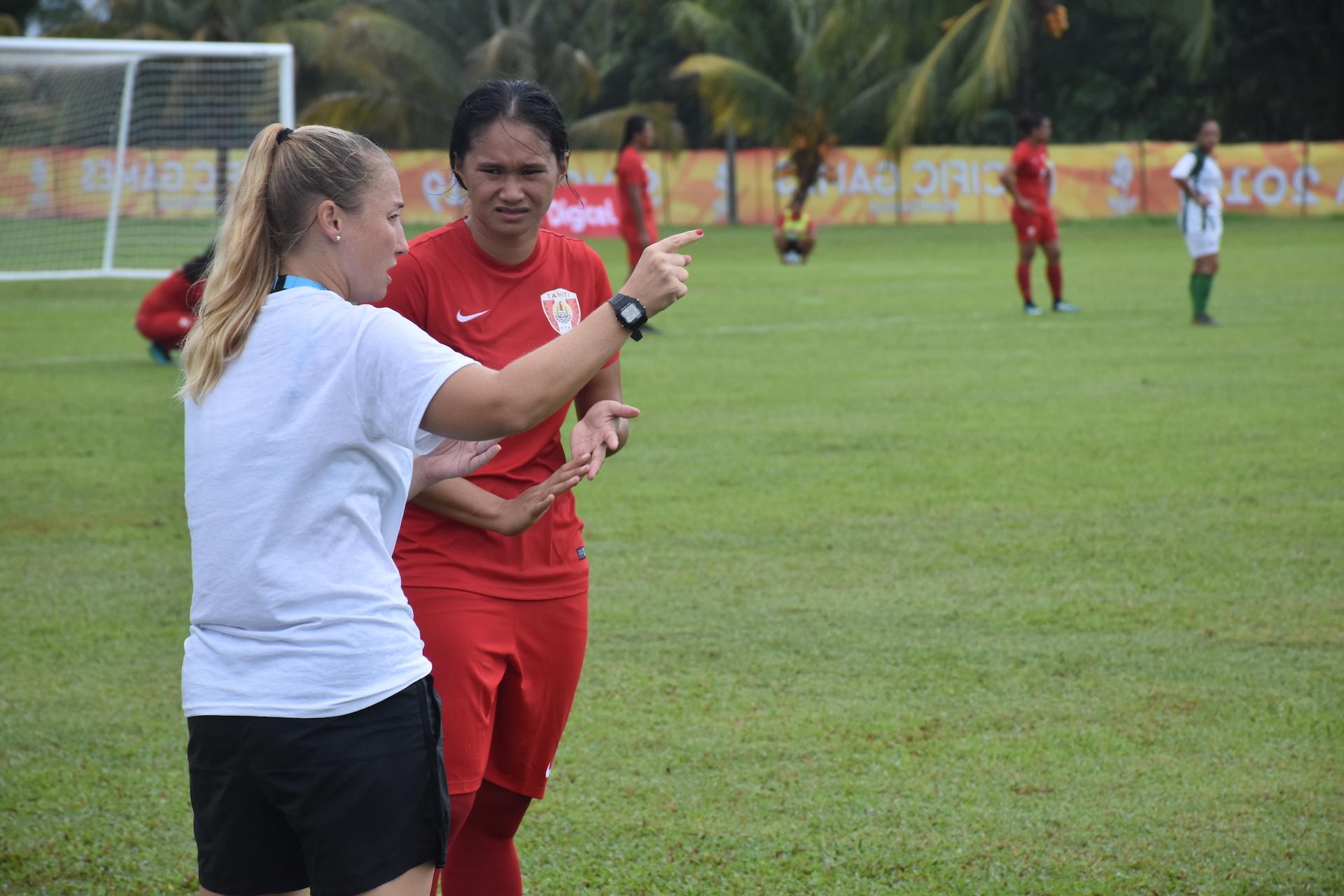 La sélection féminine de football s'est elle aussi inclinée ce lundi face aux Îles Cook pour leur premier match de la compétition.