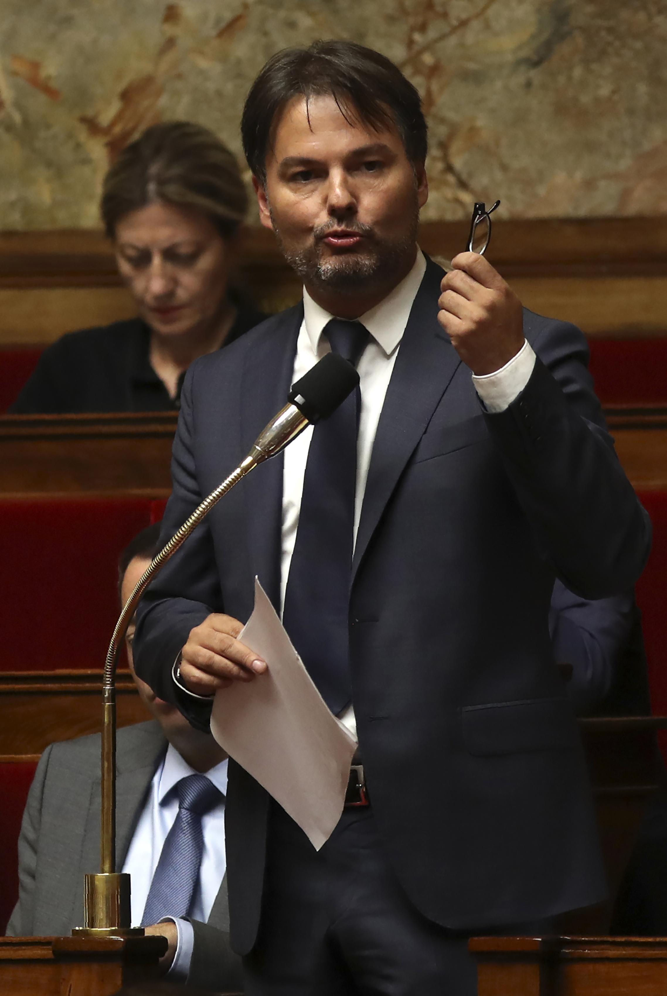 Guillaume Vuilletet, député qui avait été rapporteur des deux projets de loi adoptés en mai, a été nommé rapporteur. Photo d'archives AFP