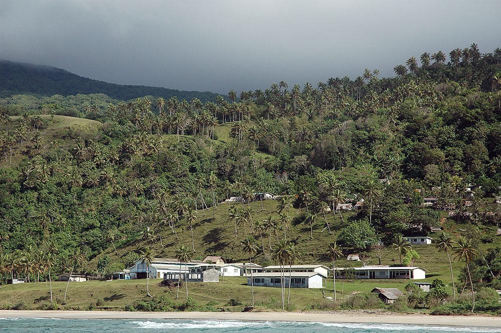 Classement sans suite de plaintes pour agression sexuelle contre l'ex-ambassadeur au Vanuatu