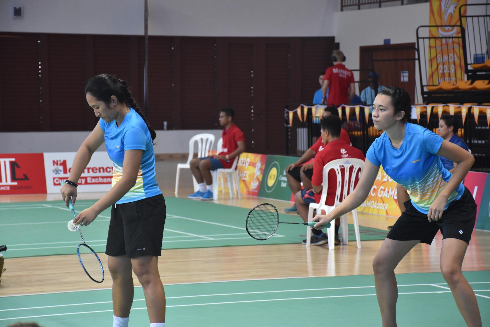 Esther Tau et Coralie Bouttin ont remporté la médaille de bronze en double dame.