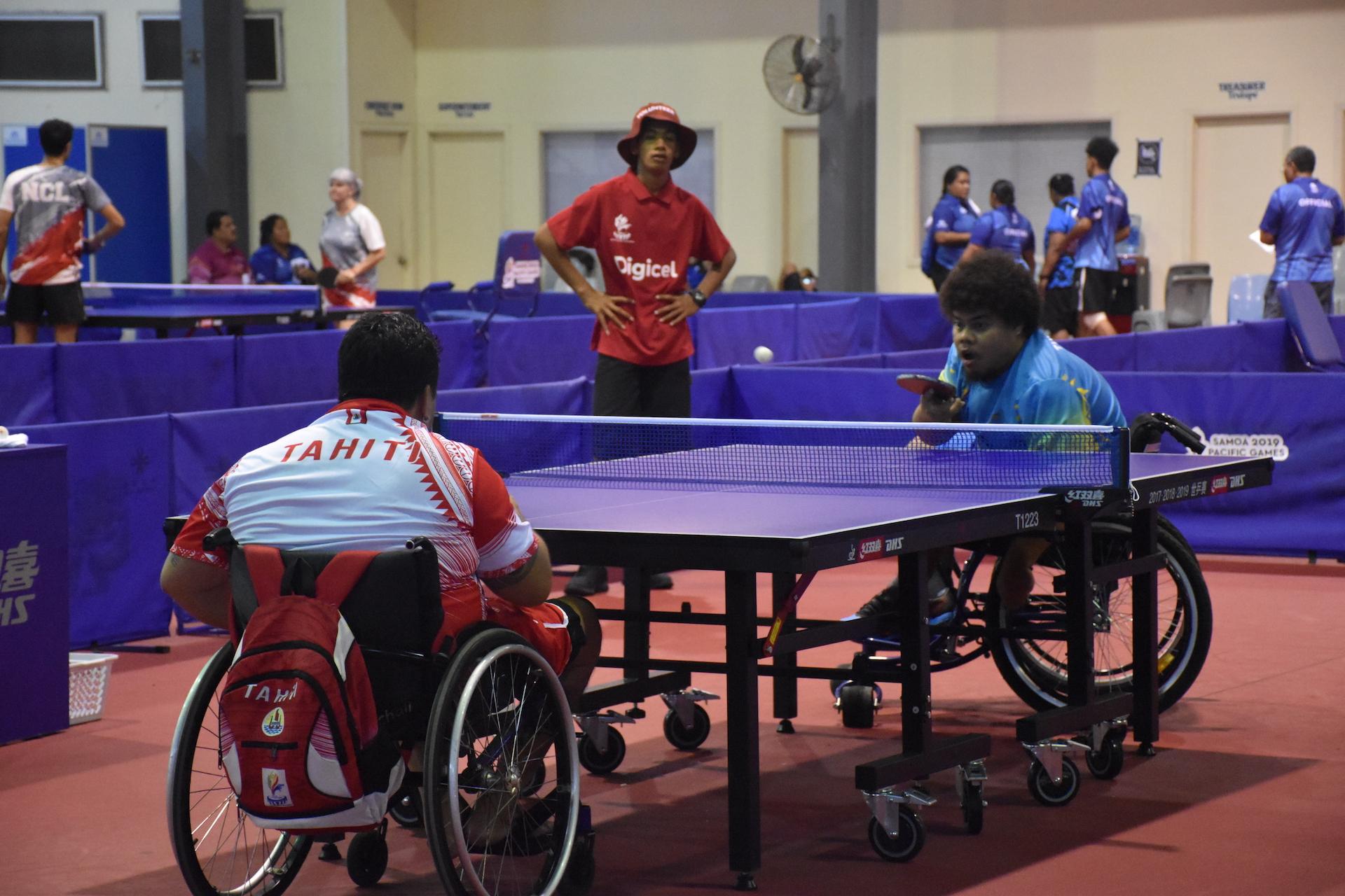 Les athlètes handisports remportent trois médailles au tennis de table