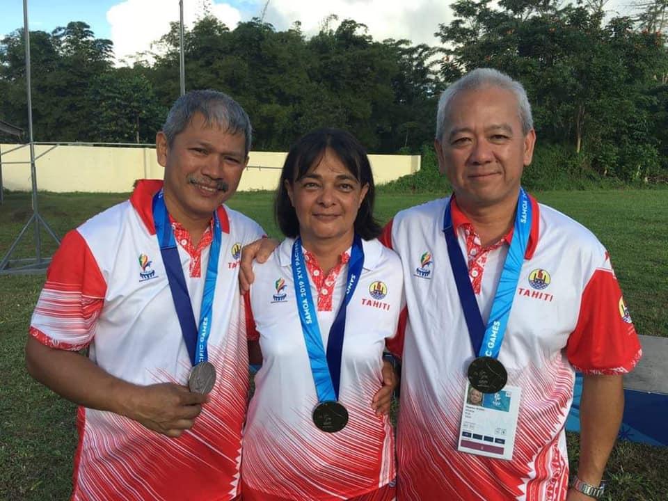 """Freddy Yen Kway, le tireur tahitien, poursuit sa moisson de médailles aux Samoa. Après avoir décroché l'or et l'argent lundi au tir au pistolet """"sport"""" , il a remporté ce mardi deux nouvelles médailles d'argent au tir au pistolet """"standard"""". (© Fédération polynésienne de tir)"""