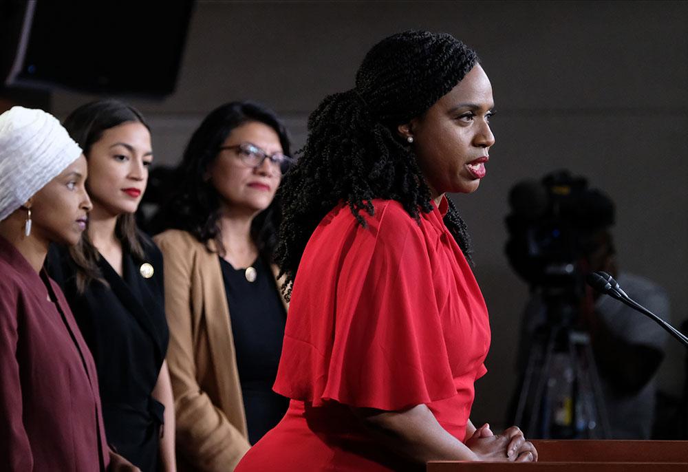 """Les élues visées par Trump dénoncent des attaques """"ouvertement racistes"""""""