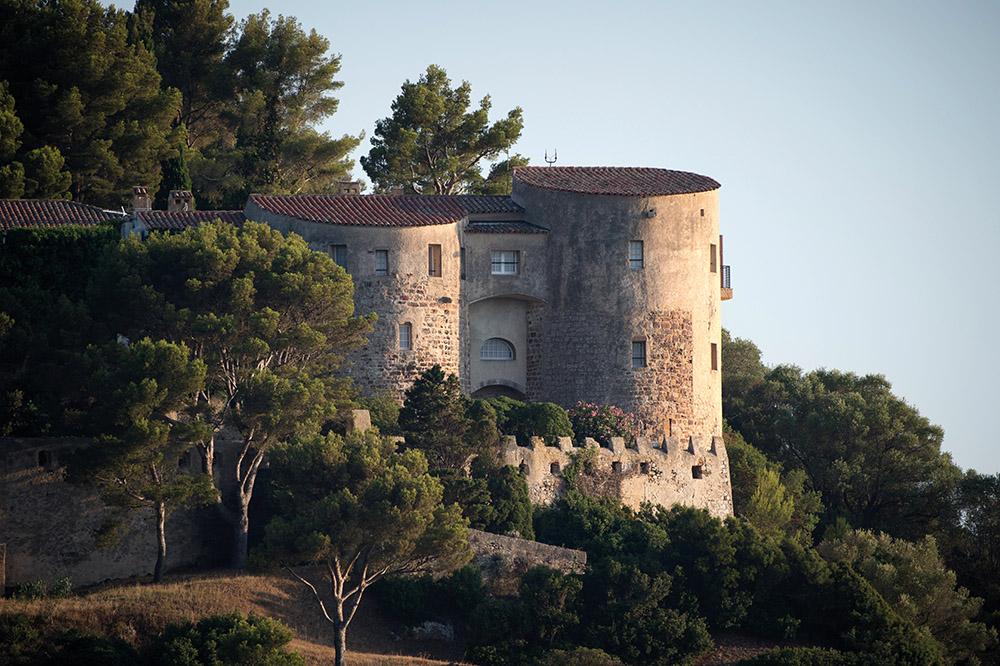 Macron débute ses vacances au fort de Brégançon