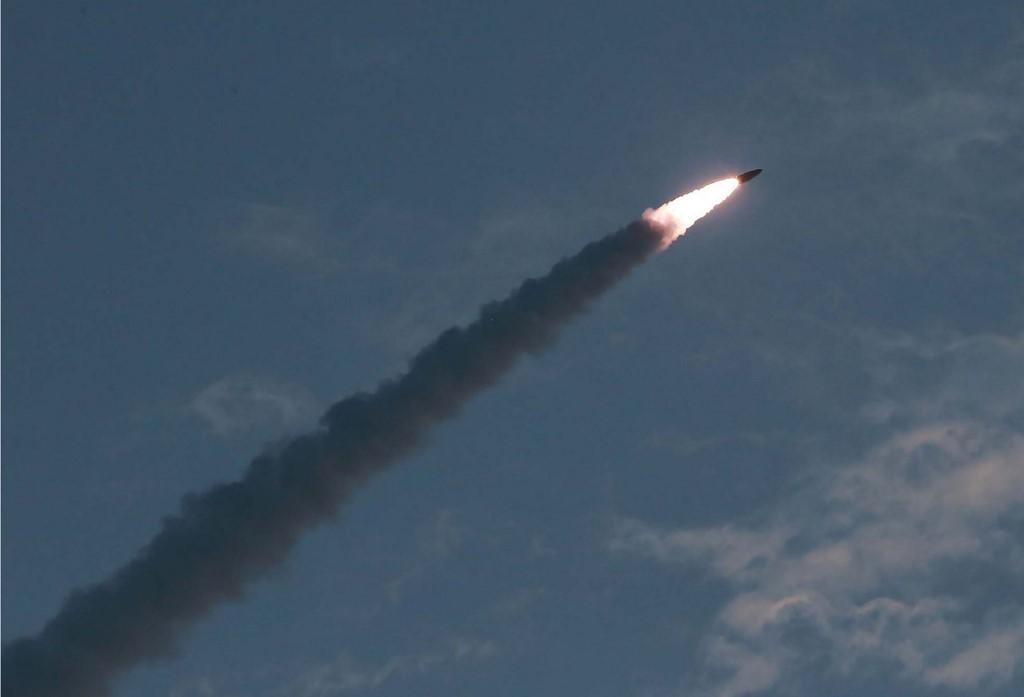 """Kim Jong Un: les tirs de missiles sont un """"avertissement"""" à Séoul"""