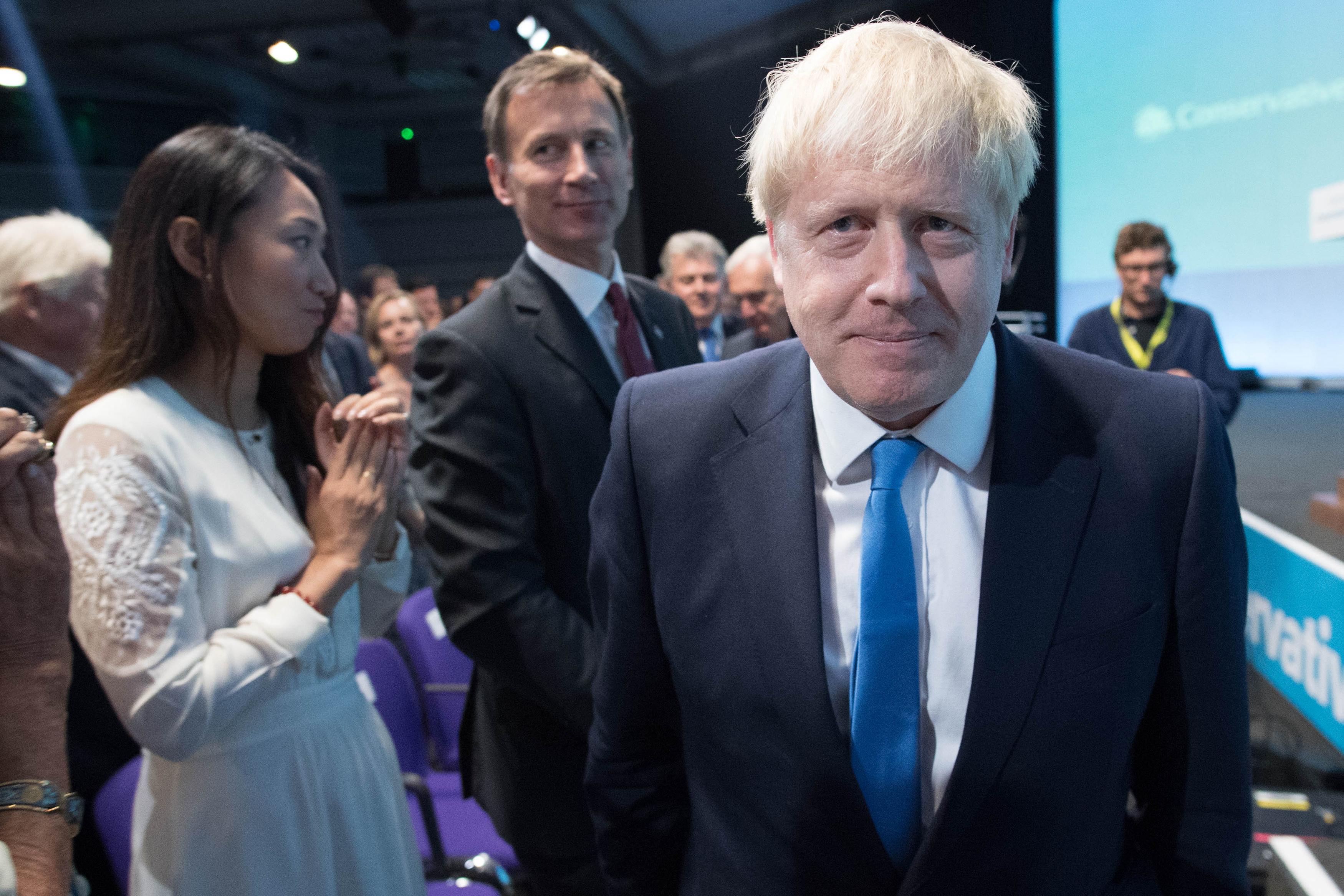 """Brexit: Londres promet de ne """"jamais"""" rétablir de contrôles physiques à la frontière irlandaise"""