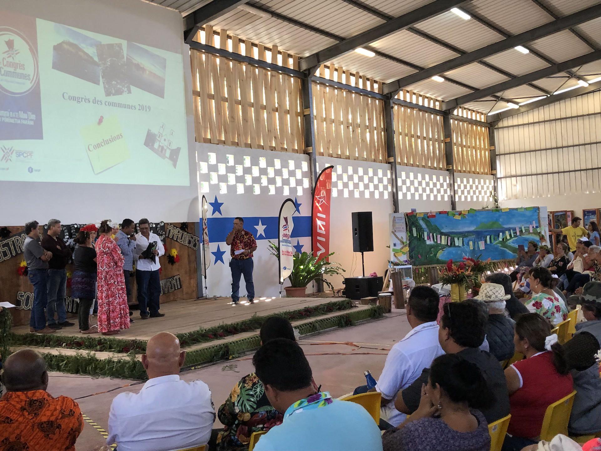 """""""Nous n'avons pas besoin d'attendre le Pays. Nous les tāvana nous pouvons agir et donner l'exemple"""", a insisté Cyril Tetuanui, président  du Syndicat pour la promotion des communes de Polynésie française (SPCPF)."""