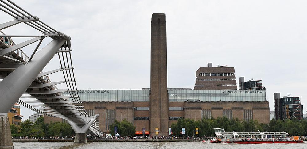Londres: l'enfant poussé du 10e étage d'un musée hors de danger
