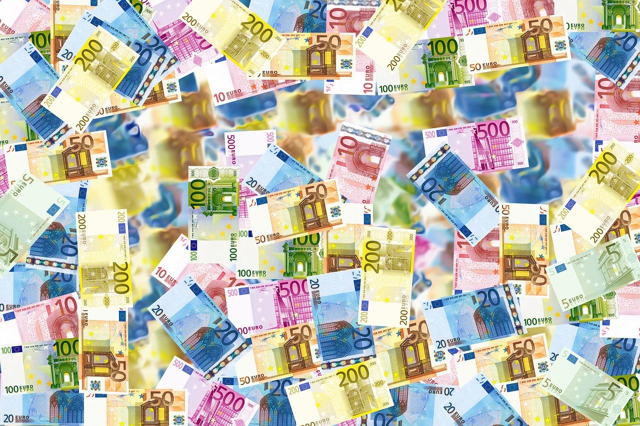 Allemagne: un mystérieux bienfaiteur distribue 200.000 euros en liquide
