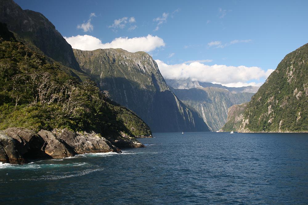 À Milford Sound, la montagne prend le large !