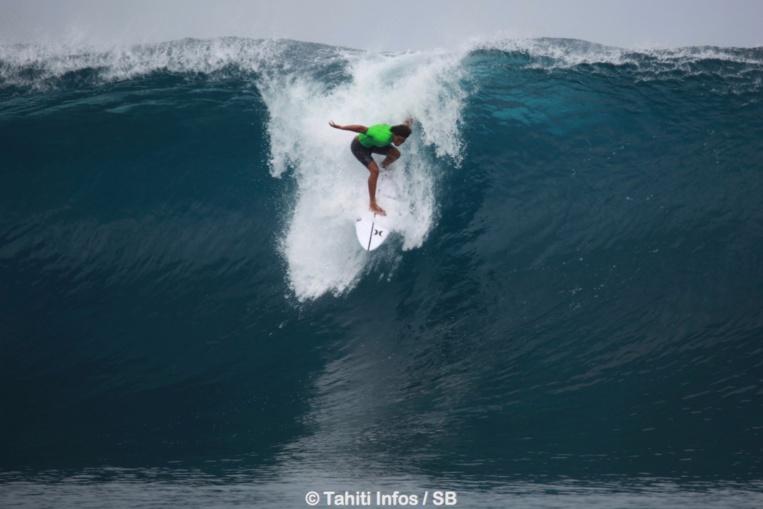 Tous les ans les meilleurs surfeurs de la planète se retrouvent  sur le spot de Presqu'Île pour le Tahiti Pro Teahupoo.